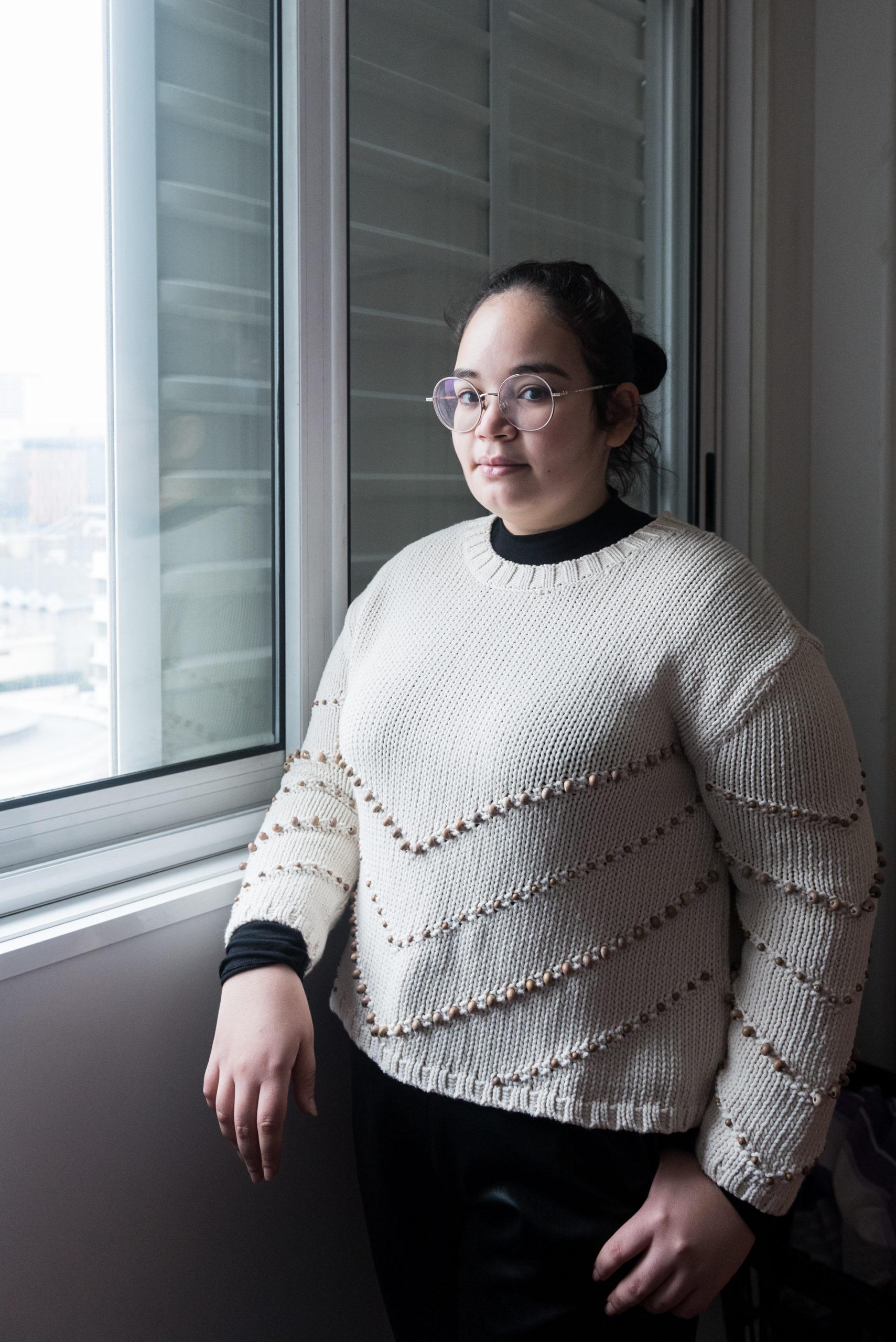 Chaïma, 24 ans, est étudiante en M2 Langues à l'université de Nanterre. Avec des amies, elles ont créé l'association ATR 92 qui vient en aide aux résidents les plus précaires.