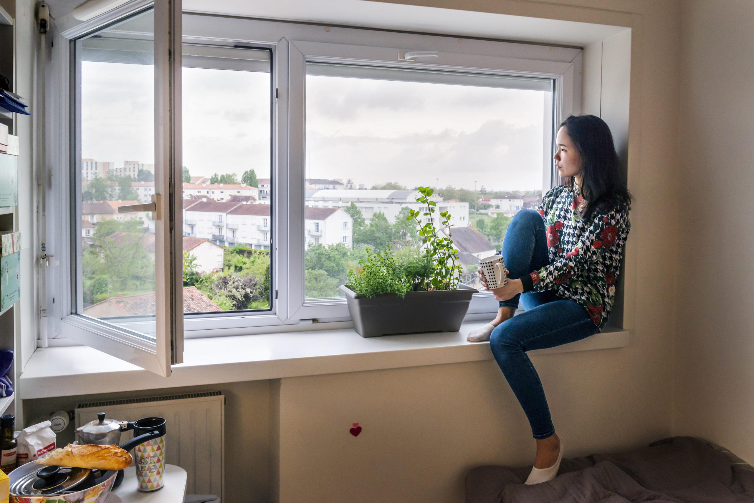 Adel est une étudiante kirghize de 21 ans venue étudier le français à l'université de Poitiers.