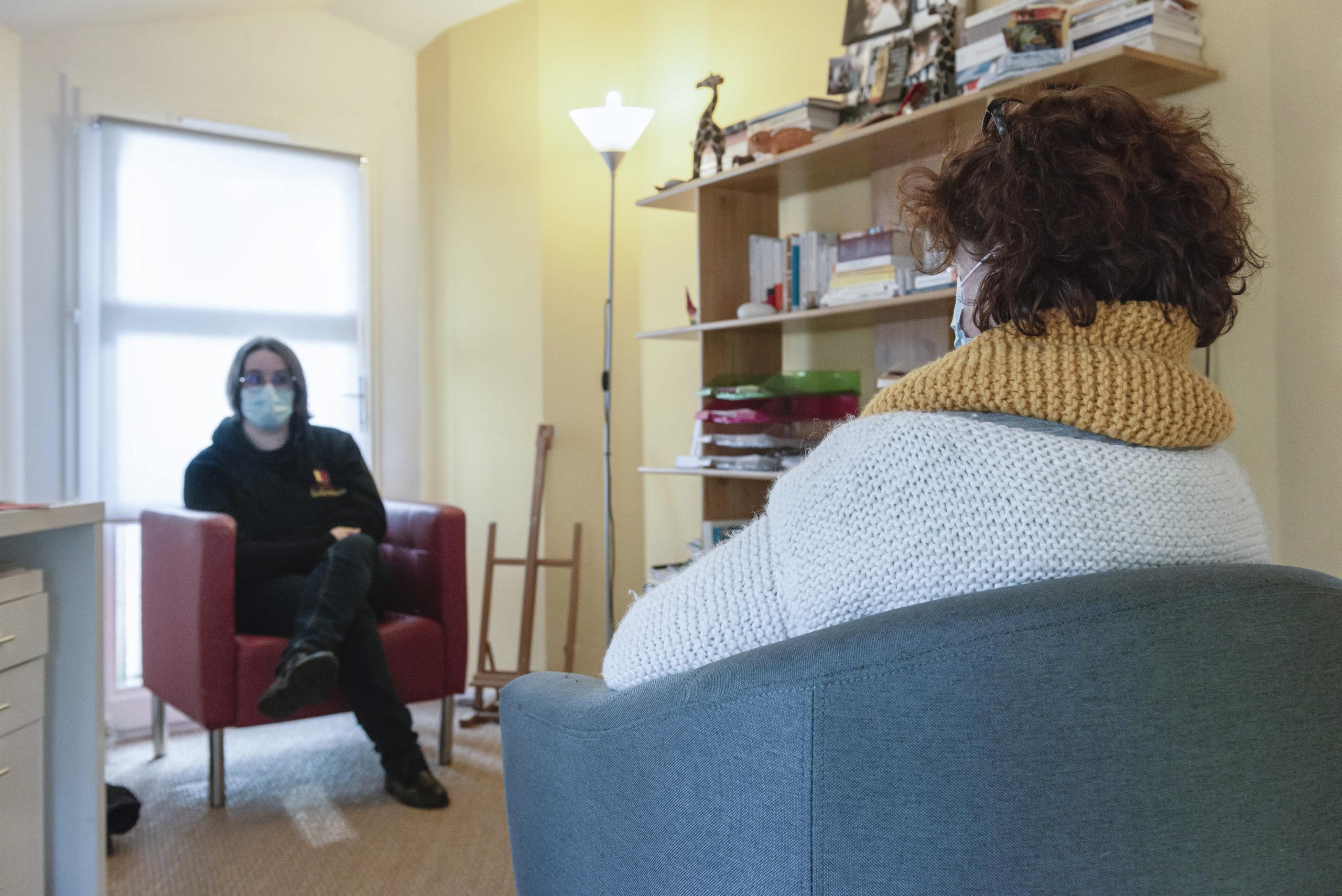 Un étudiant en souffrance est venu consulter un psychothérapeute à l'université de Poitiers.